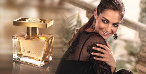 Apa de pafrum Miss Giordani  Luminozitatea florii de portocal neroli,tipic italiană, este semnătura definitorie a acestui parfum vibrant.