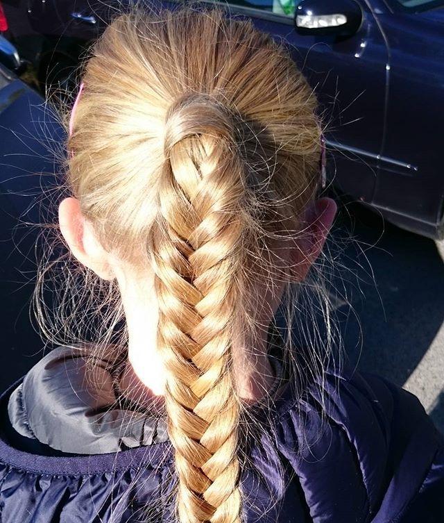 Autumn sun #ponytail #fishtailbraid #fishtail #girlyhair #hairforlittlegirls #braidsforgirls #hairstyles #hairinspo #braids #braid #braidymom