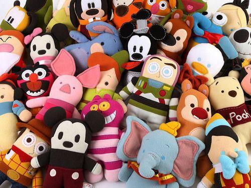 familyIphone Wallpapers, Felt Dolls, Disney Videos, Toys, Scrapbook Art, Pookalooz, Queens Of Heart, Stuffed Animal, Disney Character
