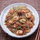 Nigella Lawson: Thaise noedels met kaneel en garnalen - recept - okoko recepten