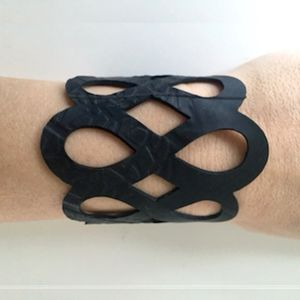 Armbånd, recycled rubber, model EIGHT