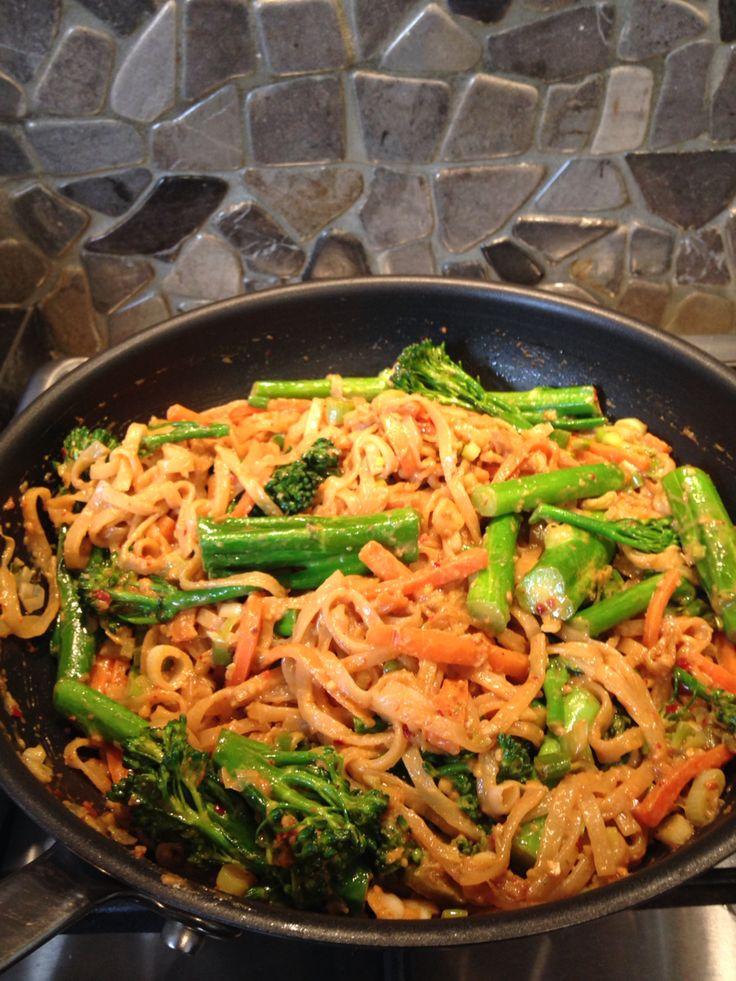 Vegetarian Pad Thai  @iquitsugar #iqs8wp