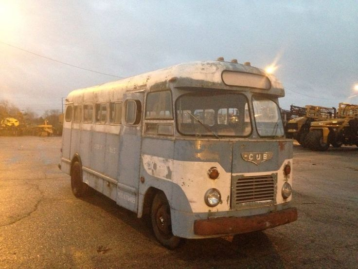 '52 CUB Bus by Spartan Company