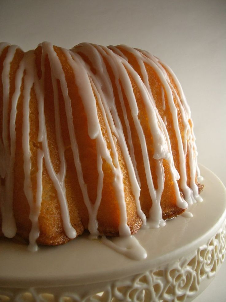 Georgia's Famous Lemon Sour Cream Pound Cake