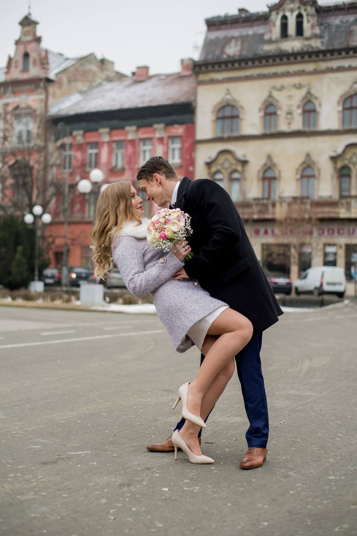 Servicii profesionale fotografie - videografie: Nunți; Botezuri; Evenimente Corporate; Filmări Aeriene; Studio Foto Contact: 0745 284 025