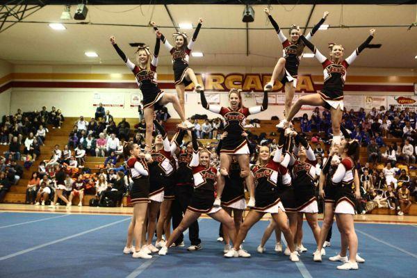 Beautiful Cheerleaders - Wow Gallery   eBaums World