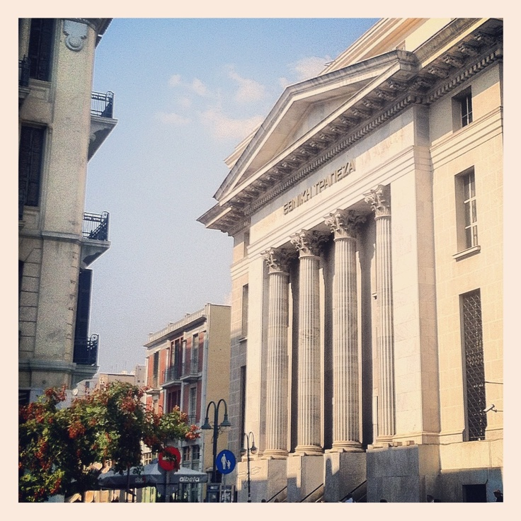 The central building of the National Bank of Greece, located right at the entrance of the Ladadika area, is one of the grandest in Thessaloniki. (Walking Thessaloniki / Route 01, Port)