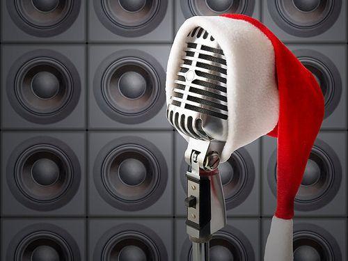 La Navidad es la época más alegre, esperada y divertida en República Dominicana. Las estaciones radiales comenzaron a transmitir de esta semana las canciones tradicionales que identifican esta época de amor y paz. Las emisoras Cima 100.5, Escándalo 102.5, Rumba 98.5, Neón 89.3, Supra 101.7, Dominicana 98.9, La Voz de Las Fuerzas Armadas 106.9 FM,…