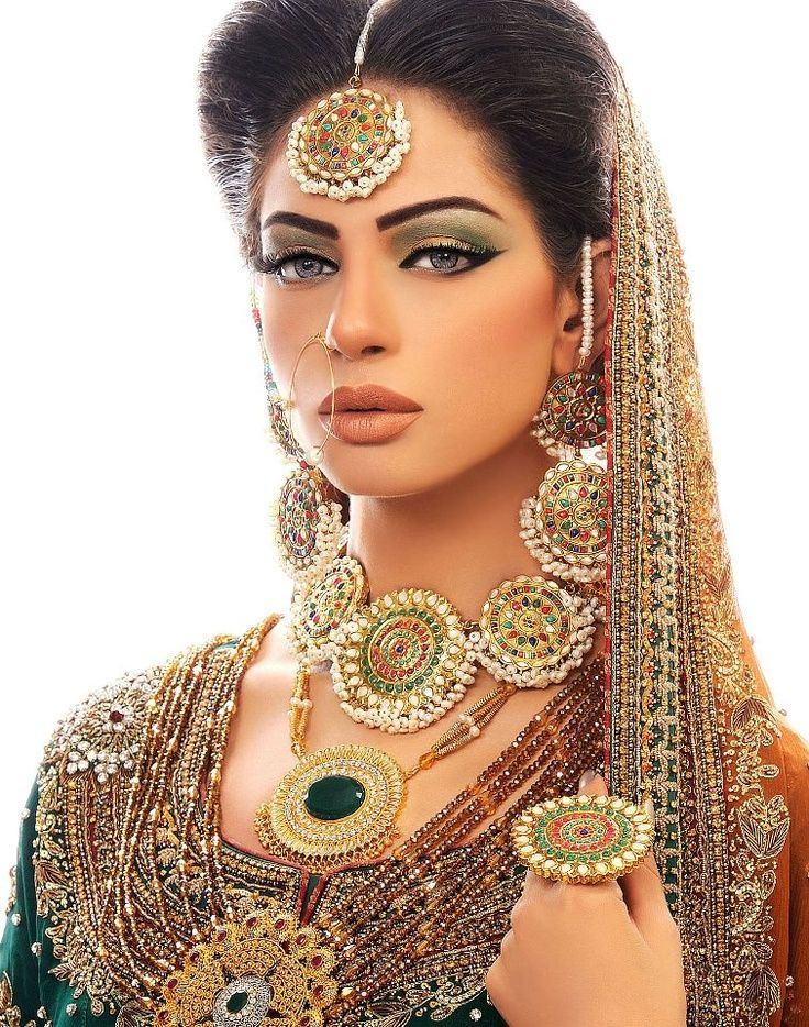 Pakistan Bride - Golden And Green Smokey Eyes. Disclosure I Didnu0026#39;t Do The Makeup For This Model ...