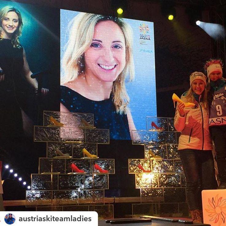 """""""#jasna #jasnanizketatry #worldcupjasna @austriaskiteamladies:Wow - coole Show und MEGA Stimmung bei der Startnummernauslosung! Congrats to Jasna!…"""""""
