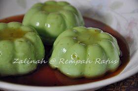 BUBUR SOM-SOM PANDAN Dari Dapur : Zalinah @ Rempah Ratus Bahan-bahan : 2 cawan tepung beras 1/4 cawan tepung ubi 7 cawan santan...