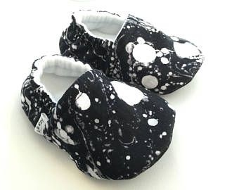Black & White Moccs, Baby Booties, Baby Slippers, Baby Crib Shoes, Baby Moccasins, Moccs, Baby Shoes, Soft Soled Baby Shoes