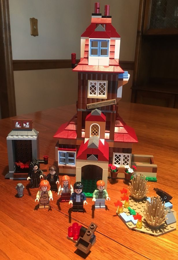 Lego Harry Potter The Burrow 4840 100 Complete W Box Directions Burrow Potter Lego Lego Harry Potter Harry Pitter Potter