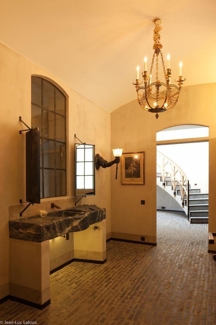 Statement chandeliers #design #bespoke #interiors #homes #houses #designer #architect #interiordesign