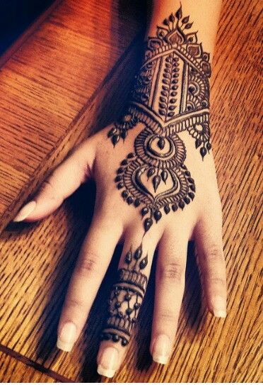Gorgeous mehndi or henna design for the hand