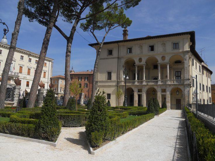 Giardini e loggia di Palazzo Vincentini, Rieti