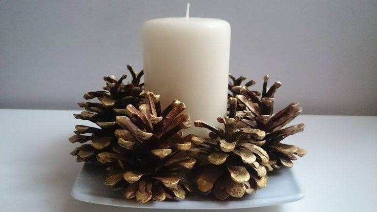 W ozdobach świątecznych bardzo często występują szyszki. Zobacz, jak je pomalować, by stały się eleganckim dodatkiem do świecznika, wianka adwentowego lub stroika na stół.