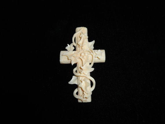 Antique Celluloid Cross W/Ivy by MICSJWL on Etsy, $49.00: Crosses W Ivy, Antiques Celluloid, Shops Galas, Celluloid Crosses, Amazing Artworks, Vintage Beauties, Etsy Shops