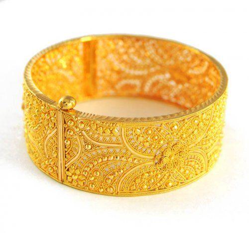 Traditional Trendy Wedding Gold Chur flat bangle Design