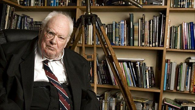 BBC News - Sir Patrick Moore, astronomer and broadcaster, dies aged 89