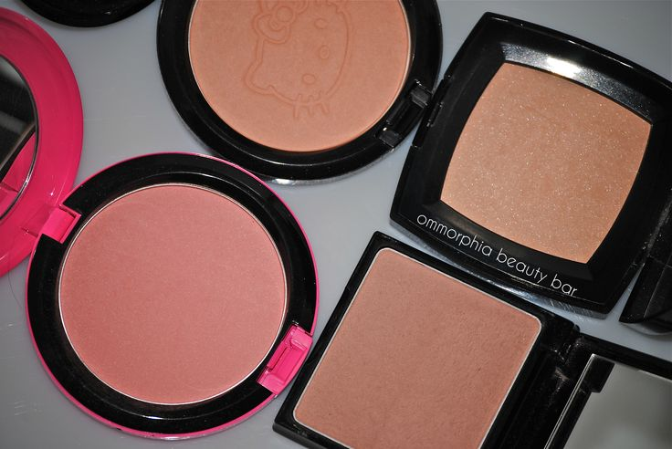 By applying #skin face powder your face will look much healthier and #younger as well. Get free samples of Face #powder. Visit at: http://freesamples.us/free-samples/free-samples-for-women/