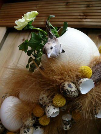 Paaskrans met eieren en vogeltjes