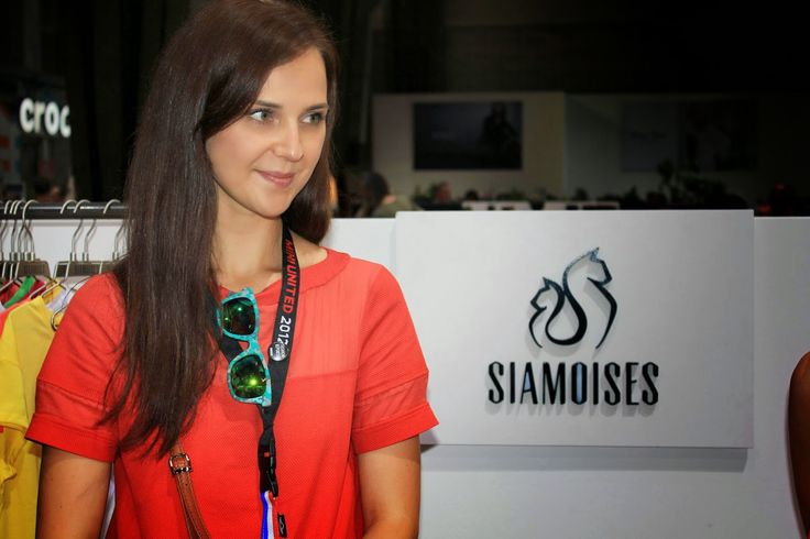 Katharina dal blog katcherry, ha visitato lo stand #siamoises durante la fiera del BREAD & BUTTER tradeshow for selected brands, per mostrare la nostra nuova collezione P/E 2015! Un like per lei?! http://bit.ly/1uCzwqf