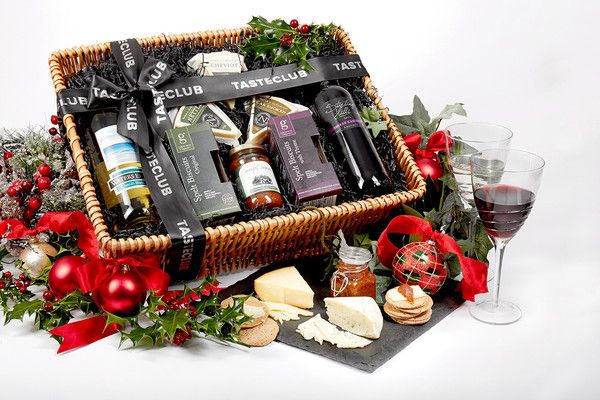 what to put in a christmas food hamper