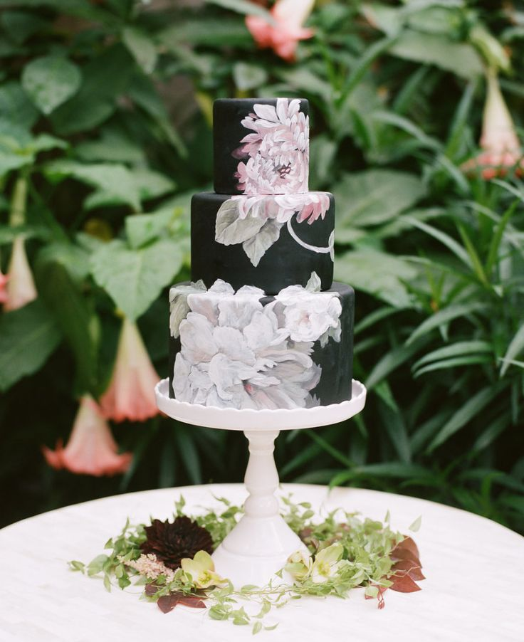 Painted floral wedding cake: Photography : Trent Bailey Photography Read More on SMP: http://www.stylemepretty.com/little-black-book-blog/2016/07/26/most-romantic-spot-new-orleans-french-quarter/