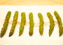 Ecco i primi esperimenti con i prodotti di Vivere la Toscana! http://cosefatteincasa.it/2013/02/19/asparagi-al-vapore-allagresto-di-san-miniato/
