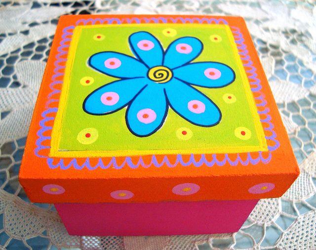 Caja Flor by rebeca maltos, via Flickr