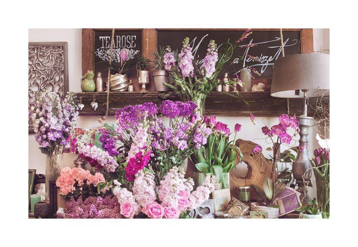 Tavaszi lila áradatban a szalon   our store is in spring purple