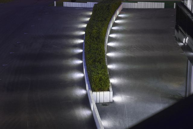 Spill lighting of outdoor surfaces - Haddeland Design