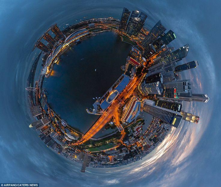 """Estas increíbles imágenes fueron captadas por grupo de fotografía rusa AirPano tomadas desde helicópteros, aviones, dirigibles, globos aerostáticos, globos de helio y drones. Además las fotografías son manipuladas mediante la técnica pionera llamada """"proyección estereográfica"""".     Manhattan, e"""
