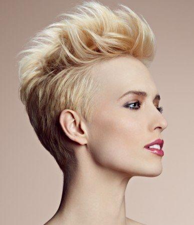 Heb jij blond haar en wil jij een nieuwe look dit najaar? Bekijk dan deze 10 diverse modellen eens. - Kapsels voor haar