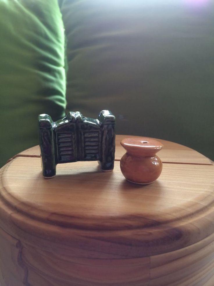 Miniature Mini USA Spittoon & Saloon Door Salt and Pepper Shakers S&P
