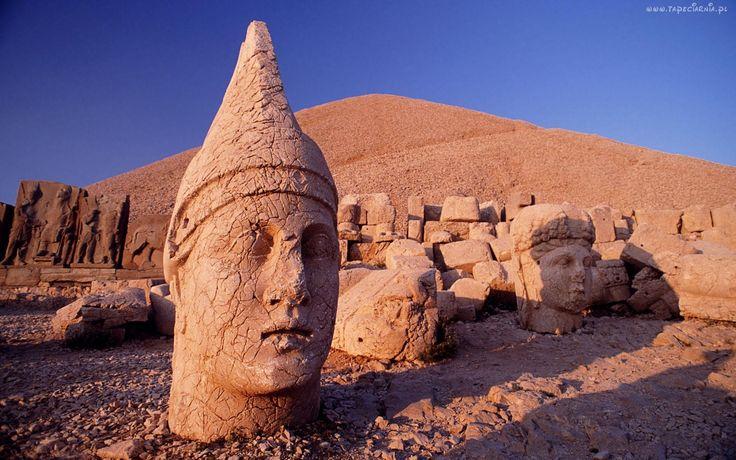Posągi, Pustynia, Głowy