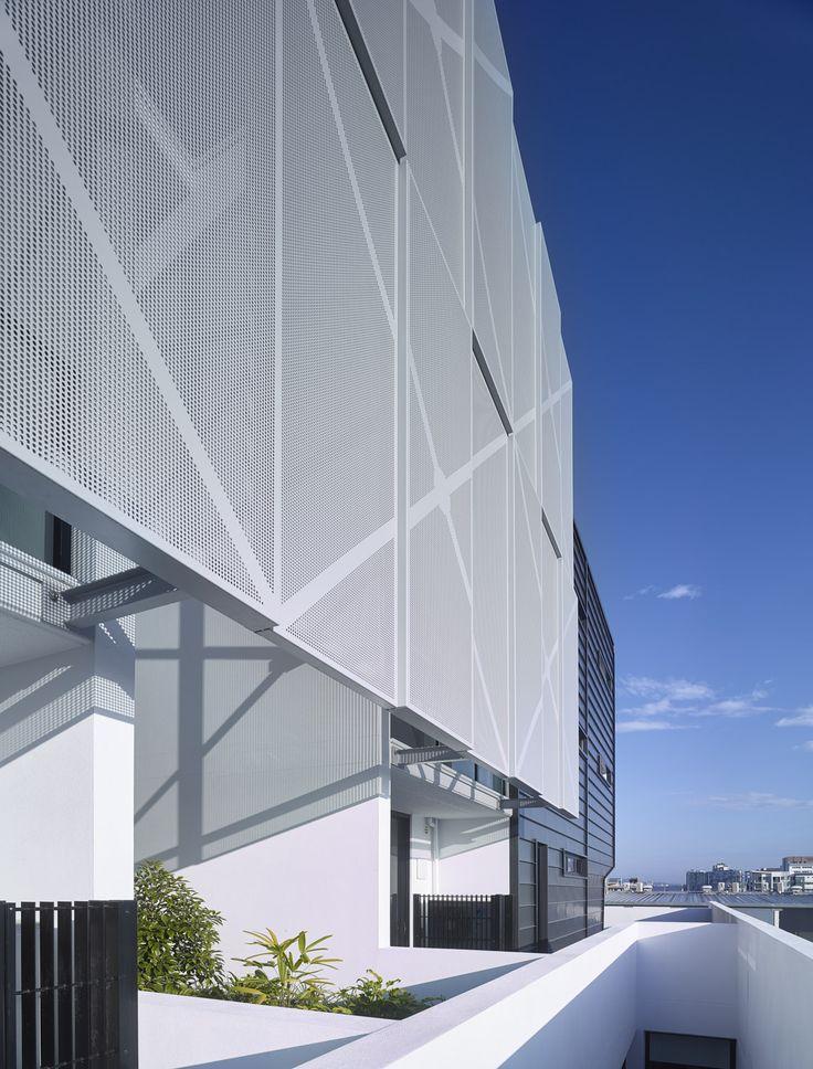 Argentum | Photography by Scott Burrows | Designed by Ellivo | www.ellivo.com | #design #architecture  #garden #blackandwhite #facade