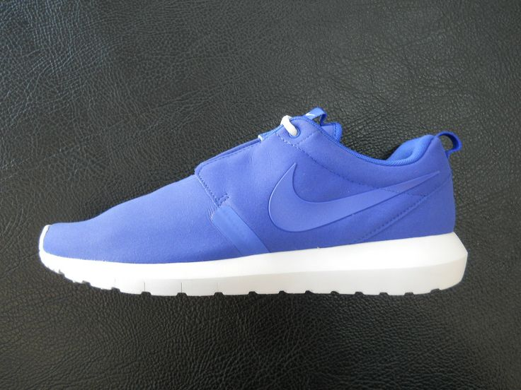 NIKE ROSHERUN NM GAME ROYAL