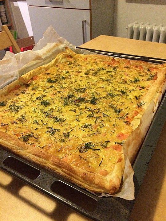Schwedischer Lachskuchen  'Schwedenpizza', ein tolles Rezept aus der Kategorie Tarte/Quiche. Bewertungen: 299. Durchschnitt: Ø 4,5.
