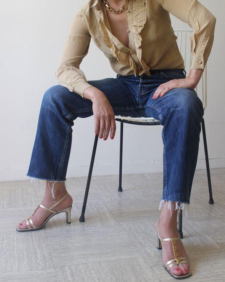 Un Vendredi Soir Sur La Lune / Chaussures Vintage / 90'S / Sandales à Bride / Cuir  Dorée / Talon Block / Made In Italy / Taille 38 de la boutique LARELIGIEUSE sur Etsy