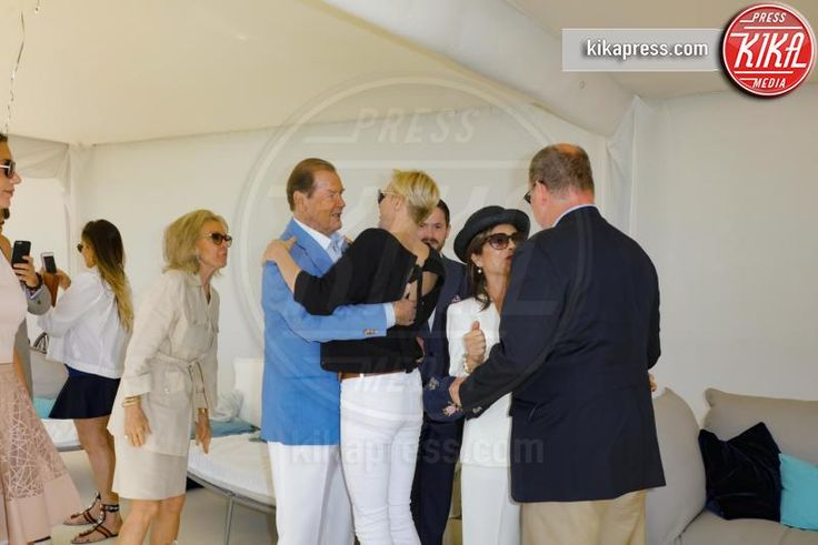 Principe Alberto di Monaco, Principessa Charlene Wittstock, Roger Moore - Saint Martin de Peille - 18-09-2016 - Alberto di Monaco accoglie Roger Moore alla Monte-Carlo Polo Cup