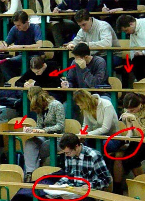 So sieht es dann tatsächlich aus, wenn Du Deine Prüfung schreibst. | 30 Momente, die alle Studenten raffen, die gerade Prüfungsstress haben