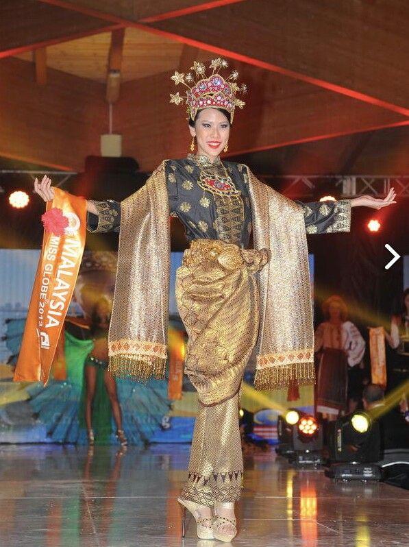 Charissa Chong National Costume Malaysia