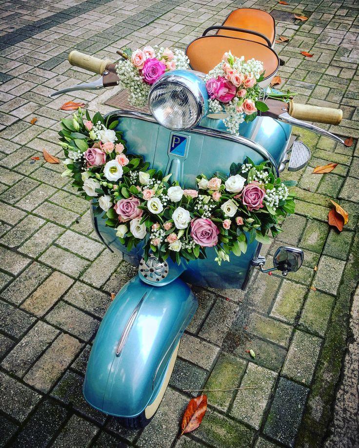 Vespa flowers Fleurs Trikala Greece
