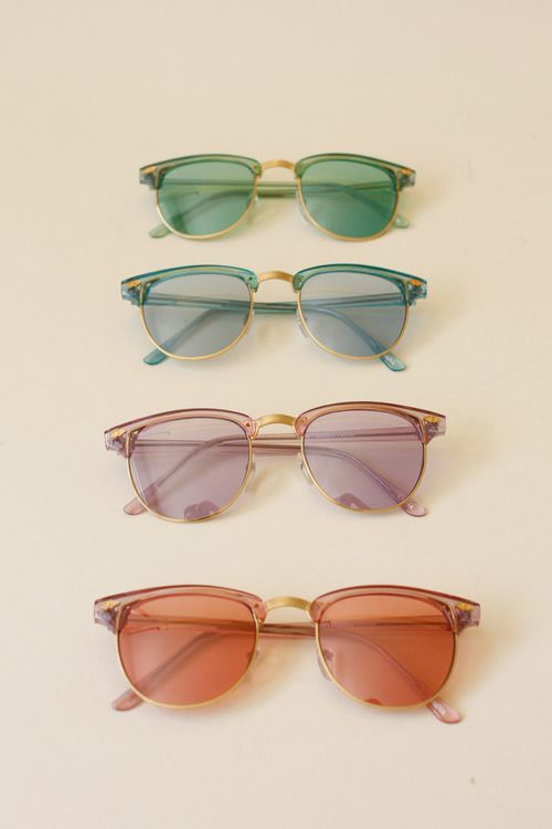 Vintage sunglasses are back in style! I LOVE this style!!!