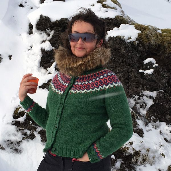 Gamaldags Icelandic lopi yoke sweater: green