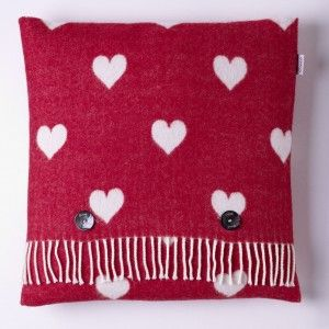 Motif Cushion Heart Red White #abrahammoon #country #wool