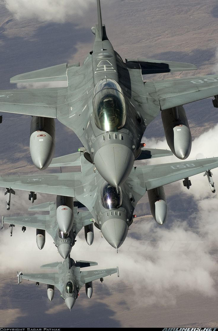 Form up practice with a squad of F-16's