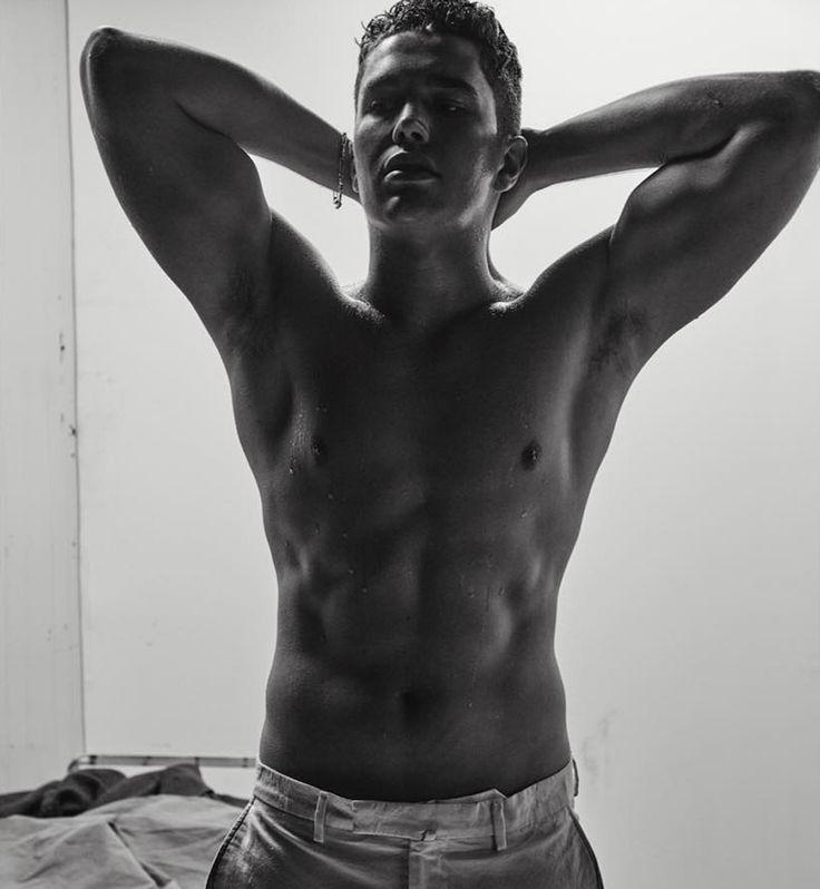 Austin Mahone'dan L'Uomo Vogue İçin Seksi Pozlar – Poptakal